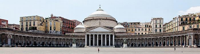 Centro Storico: Piazza del Plebiscito, San Francesco di Paola Neapel