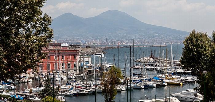 Hafen (Porto di Napoli), Vesuv, Golf von Neapel Neapel