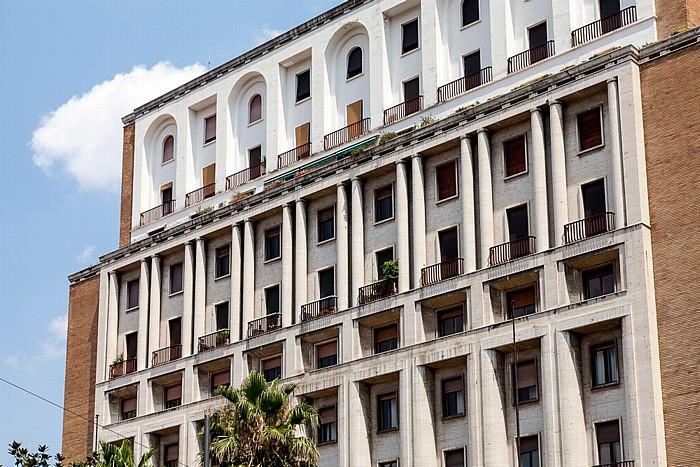 Centro Storico: Via Toledo / Piazza della Carità Neapel