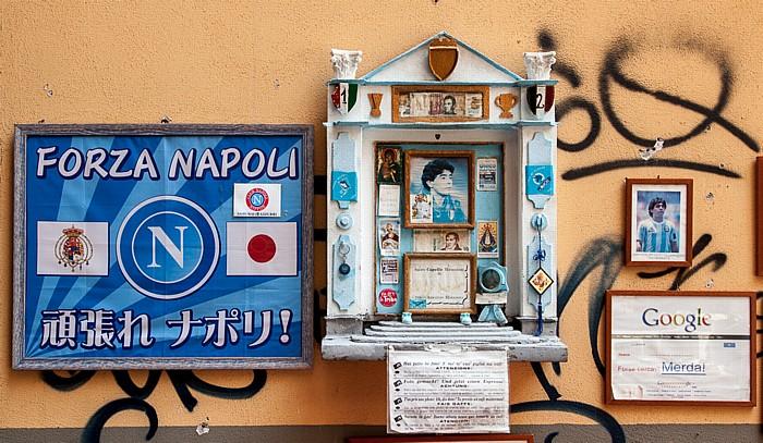 Neapel Centro Storico: Via San Biagio dei Librai - Gedenkstätte für Diego Armando Maradona