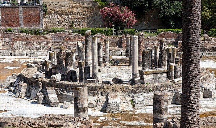 Centro Storico: Macellum di Pozzuoli (Tempio di Serapide)