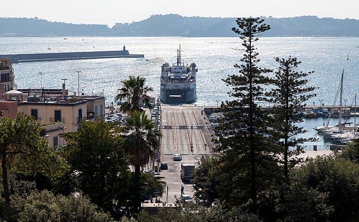 Pozzuoli Fährhafen, Golf von Neapel
