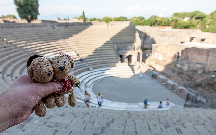 Pompeji Großes Theater: Teddy und Teddine