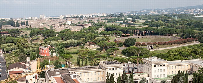 Pompei Blick vom Campanile des Heiligtums Unserer Lieben Frau vom Rosenkranz (Santuario della Beata Vergine del Rosario) Heiligtum Unserer Lieben Frau vom Rosenkranz