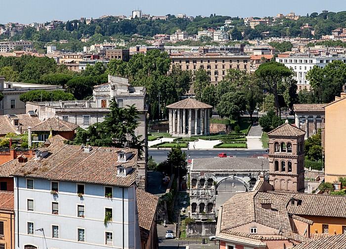 Rom Blick vom Palatin Janusbogen San Giorgio in Velabro Tempel des Hercules Victor Trastevere