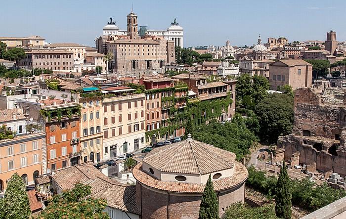Rom Blick vom Palatin Forum Romanum Kapitol Monumento Vittorio Emanuele II San Teodoro al Palatino Senatorenpalast