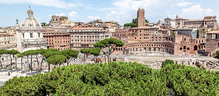 Blick vom Monumento Vittorio Emanuele II: Trajansforum Rom
