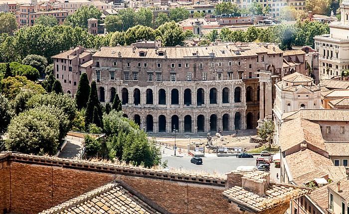 Blick vom Monumento Vittorio Emanuele II: Marcellustheater  Rom