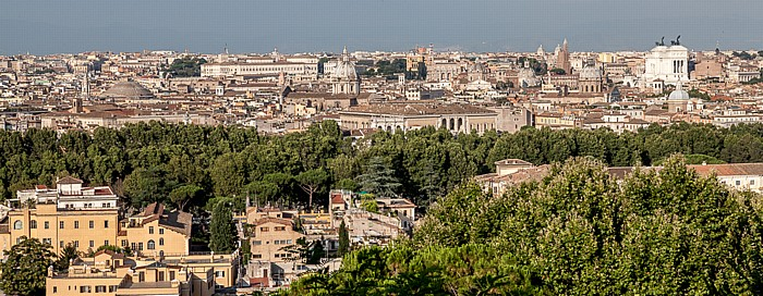 Rom Trastevere: Blick vom Gianicolo auf das Centro Storico Monumento Vittorio Emanuele II Palazzo del Quirinale Pantheon Sant' Andrea della Valle Santissimo Nome di Gesù