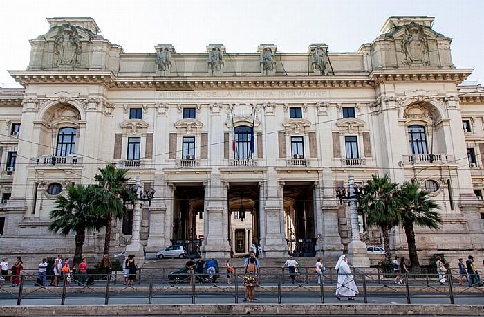 Rom Trastevere: Viale di Trastevere - Ministero della Pubblica Istruzione