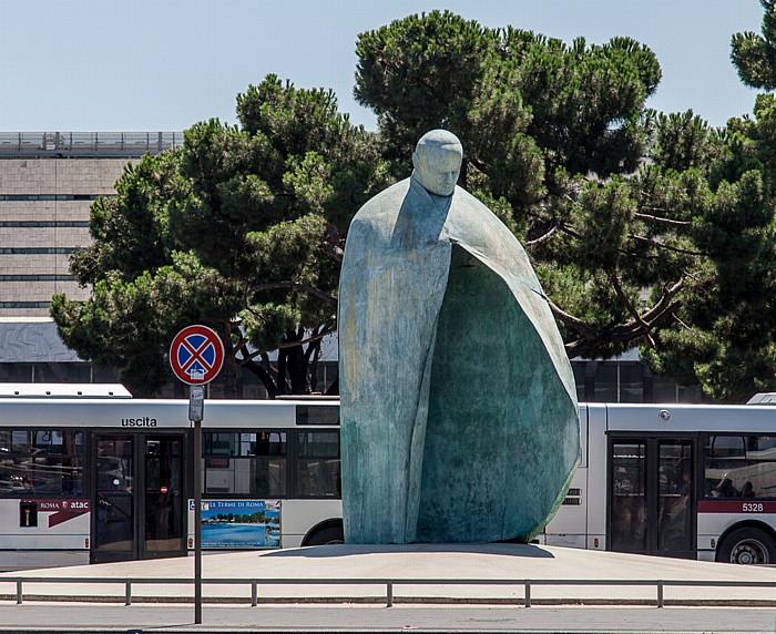 Piazza dei Cinquecento: Denkmal für Johannes Paul II. (Monumento a Giovanni Paolo II) Rom