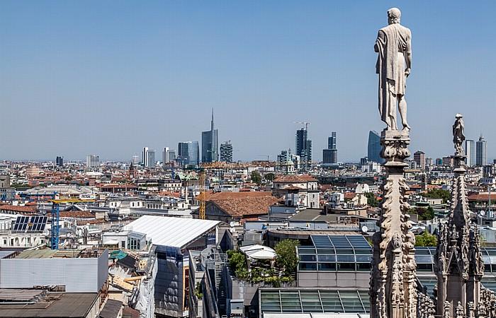 Mailand Blick vom Mailänder Dom (Duomo di Santa Maria Nascente): Centro Direzionale di Milano Torre Unicredit