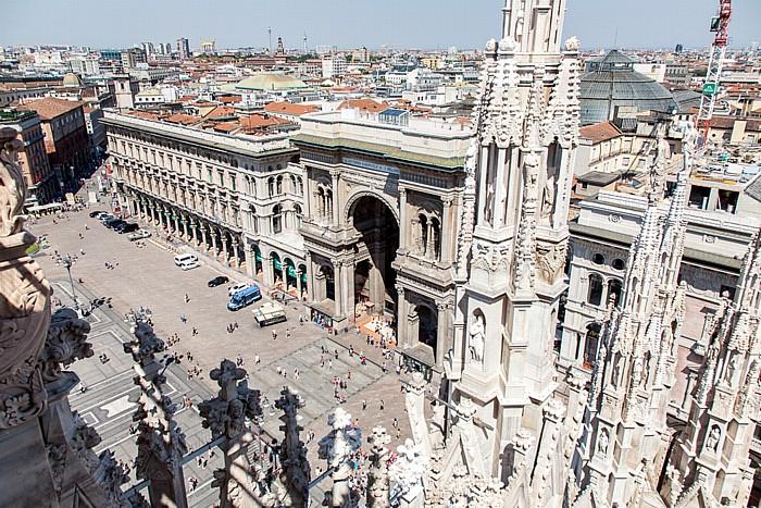 Mailand Blick vom Mailänder Dom (Duomo di Santa Maria Nascente) Galleria Vittorio Emanuele II Palazzo dei Portici Settentrionali Piazza del Duomo