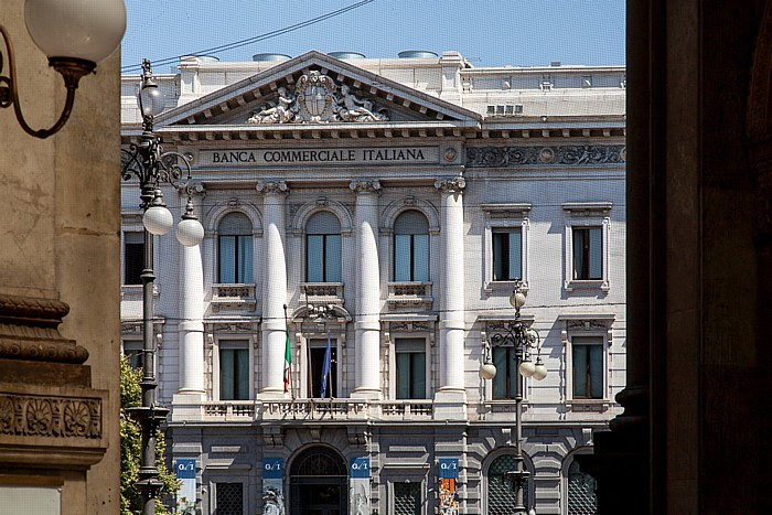 Mailand Blick aus der Galleria Vittorio Emanuele II: Banca Commerciale Italiana
