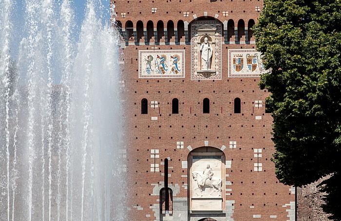 Mailand Piazza Castello, Castello Sforzesco mit dem Torre del Filarete
