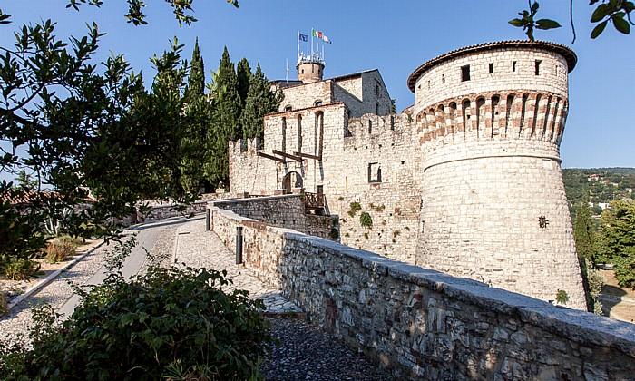 Castello di Brescia: Ponte levatoio und Torre dei Prigionieri