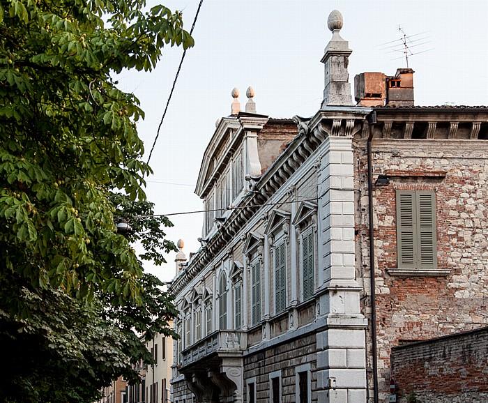 Brescia Centro Storico (Quartiere Antica): Piazza Tebaldo Brusato - Palazzo Cigola