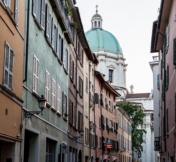 Brescia Centro Storico (Quartiere Antica): Via Carlo Cattaneo Duomo nuovo