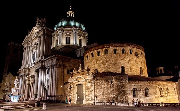 Brescia Centro Storico (Quartiere Antica): Piazza del Duomo (Piazza Paolo VI) Duomo nuovo Duomo vecchio Palazzo Broletto Torre del Pegol