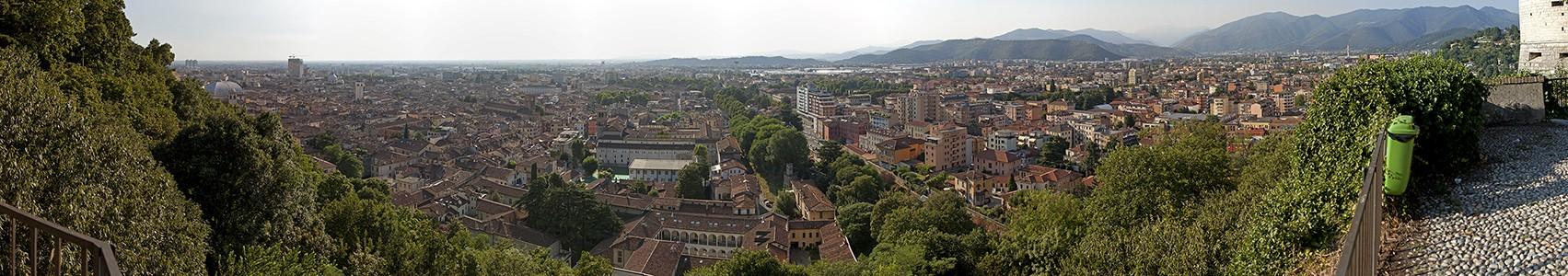 Blick vom Colle Cidneo (Castello di Brescia)