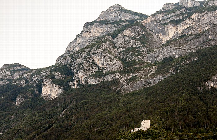 Monte Rocchetta mit der Bastion Riva del Garda Santa-Barbara-Kapelle