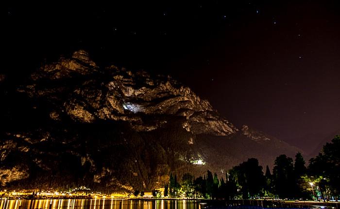 Riva del Garda Gardasee, Monte Rocchetta, Sternenhimmel Bastion Riva del Garda Santa-Barbara-Kapelle