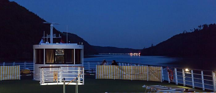 Aschach an der Donau a-rosa Schiff riva, Donau Kraftwerk Aschach