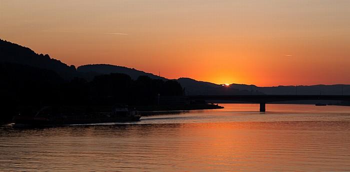 Pöchlarn Sonnenaufgang über der Donau