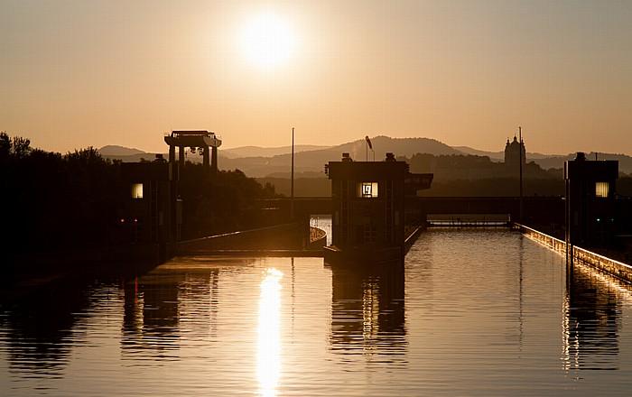 Donau, Schleuse und Kraftwerk Melk Stift Melk