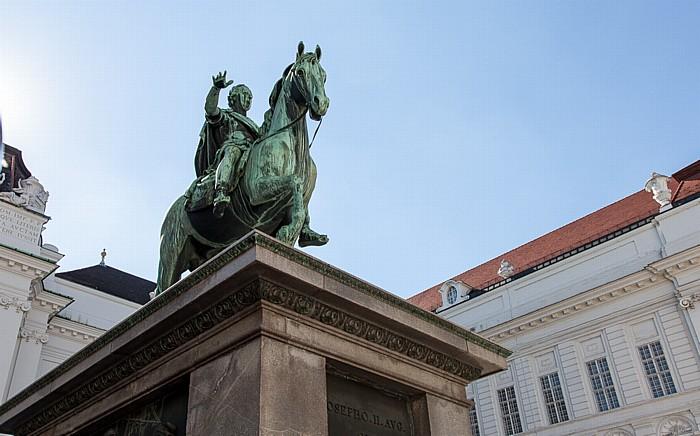 Wien Innere Stadt: Hofburg - Josefsplatz mit dem Reiterstandbild Kaiser Josephs II.