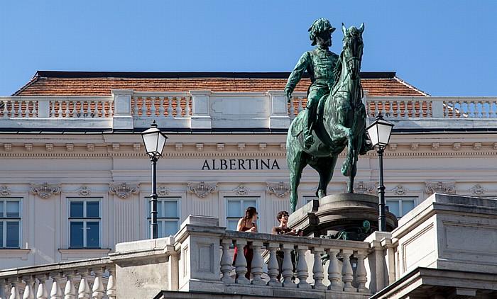 Wien Innere Stadt: Hofburg - Palais Erzherzog Albrecht (Albertina) mit dem Reiterdenkmal Albrechts