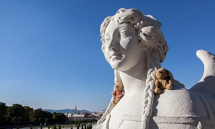 Wien Schlossanlage Belvedere: Belvederegarten - Teddine und Teddy