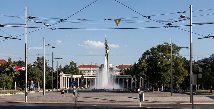 Schwarzenbergplatz: Hochstrahlbrunnen, Heldendenkmal der Roten Armee (Russendenkmal, Befreiungsdenkmal) Wien