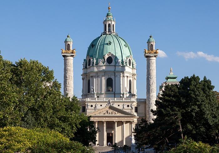 Wieden (IV. Bezirk): Karlsplatz, Karlskirche Wien 2013