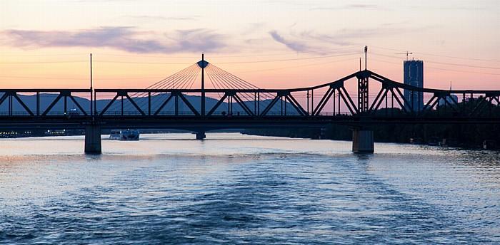 Wien Donau, Stadlauer Ostbahnbrücke DC Tower 1 Donaustadtbrücke