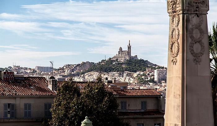 Blick von der Escalier monumental de la gare de Marseille-Saint-Charles Basilique Notre-Dame-de-la-Garde La Garde