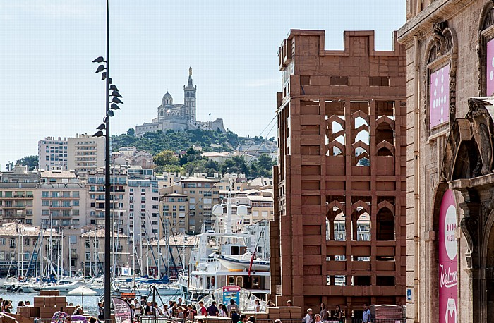 Marseille Place Villeneuve-Bargemon Alter Hafen Basilique Notre-Dame-de-la-Garde Hôtel de Ville
