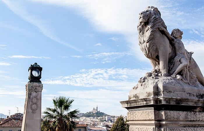 Escalier monumental de la gare de Marseille-Saint-Charles Basilique Notre-Dame-de-la-Garde Gare de Marseille-Saint-Charles