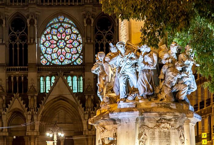 Marseille Place Léon Blum: Monument aux Mobiles Église Saint-Vincent-de-Paul