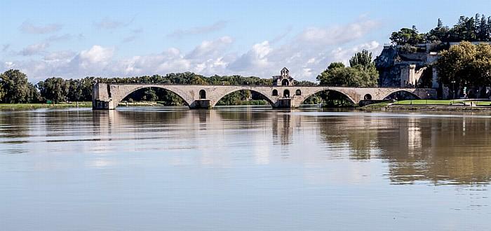 Blick von der Île de la Barthelasse: Rhone, Pont Saint-Bénézet (Pont d'Avignon)