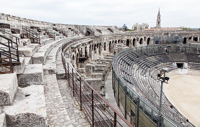 Amphitheater (Arènes de Nîmes) Église Sainte-Perpétue et Sainte-Félicité
