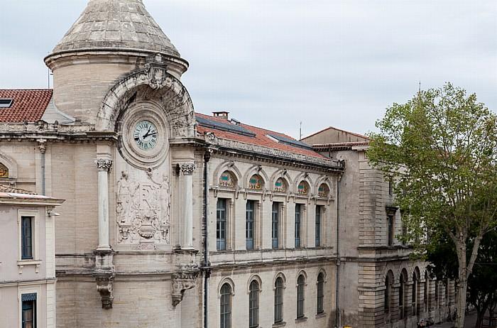 Blick vom Amphitheater (Arènes de Nîmes): Lycée Alphonse Daudet