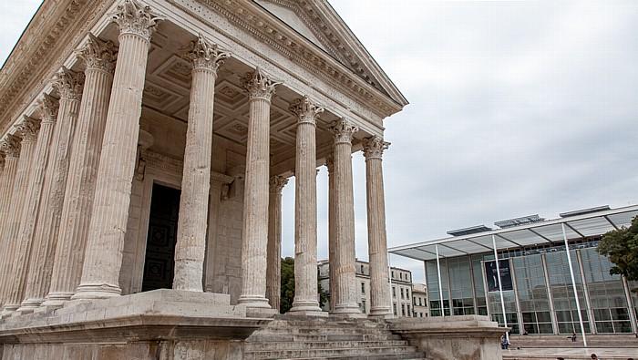 Nîmes Écusson: Maison Carrée (Rechteckiges Haus) Carré d'Art