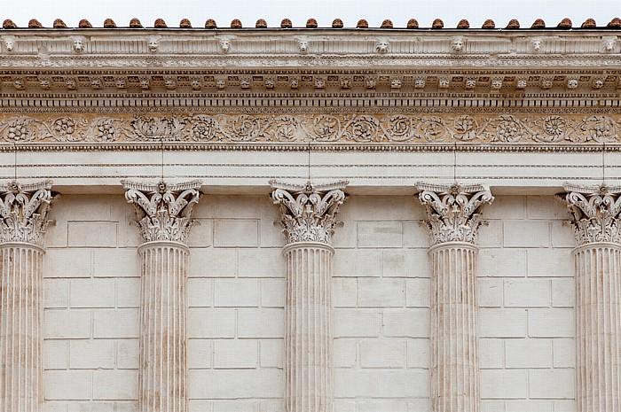 Nîmes Écusson: Maison Carrée (Rechteckiges Haus)