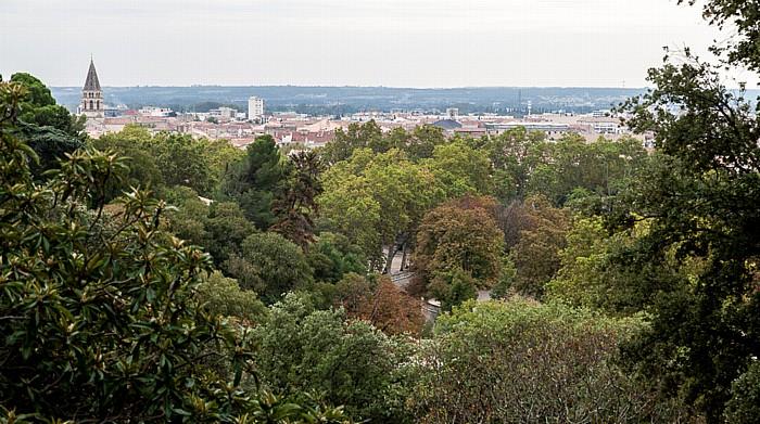 Nîmes Blick vom Jardins de la Fontaine