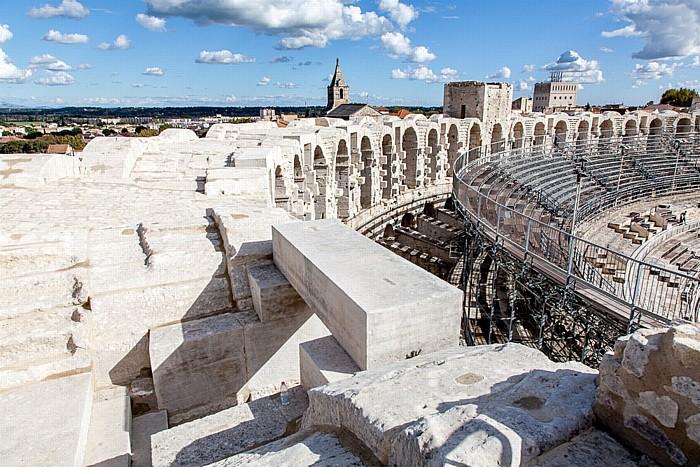 Blick vom Amphitheater (Arènes d'Arles) Église Notre-Dame-la-Major