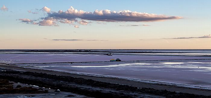 Salin-de-Giraud Camargue: Meerwassersalinen im Sonnenuntergang