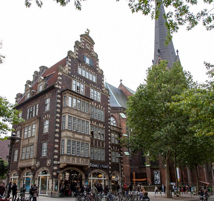 Mönckebergstraße: Hulbe-Haus und St.-Petri-Kirche Hamburg