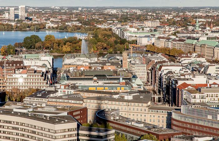 Hamburg Blick vom Turm der St.-Michaelis-Kirche (Michel): Außenalster / Binnenalster (Alsterfontäne)