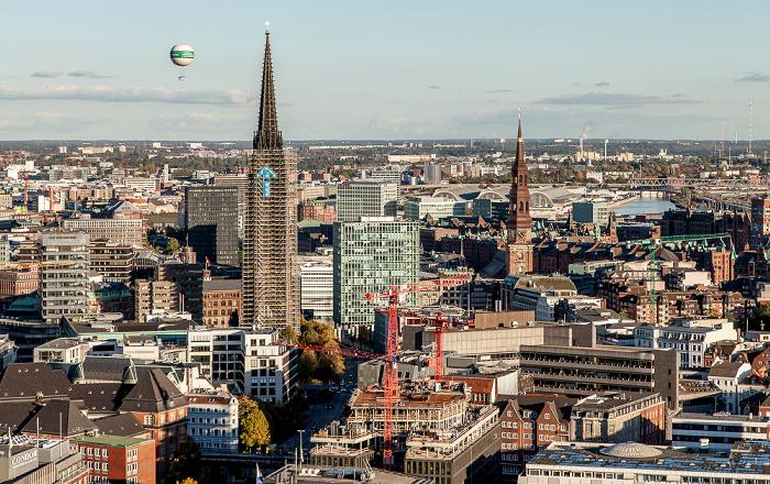 Hamburg Blick vom Turm der St.-Michaelis-Kirche (Michel): St.-Nikolai-Kirche und St.-Katharinen-Kirche Großmarkt Hamburg-Hammerbrook